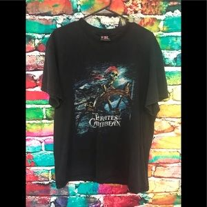 Vintage Pirates of the Caribbean GIANT TAG TSHIRT